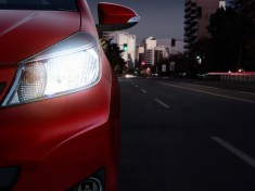 Toyota-2014-car-headlight-rd_tcm-3039-194577