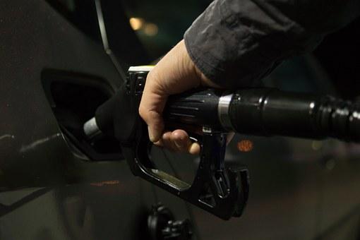 течни горива