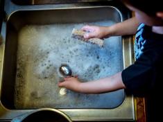 запушване на мивка